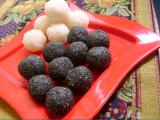 Narikolor laru (coconut ball)