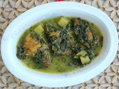 Paleng Xaakor Maachor Jhol (Fish Curry with Spinach)